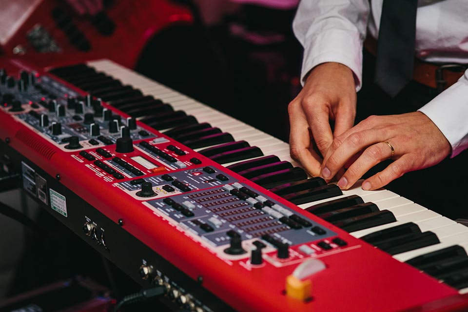 wedding band keyboard piano